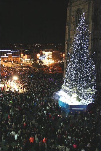 Norwich Christmas lights - BBC - In Pictures: Norwich Christmas Lights