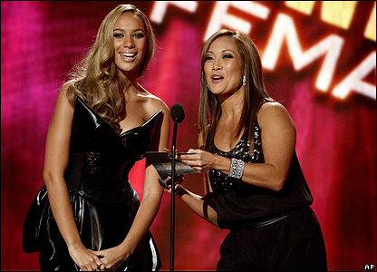 Leona Lewis and Carrie Ann Inaba