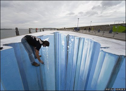 Edgar Mueller paints an ice crevasse in Ireland