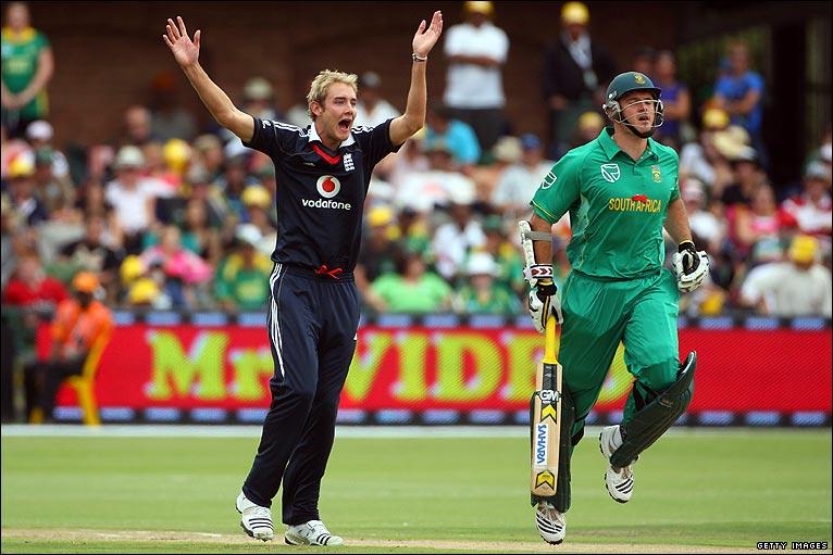 BBC Sport - Cricket - England v South Africa photographs from Port