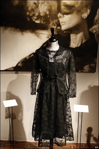 Платья Одри Хепберн уйдут с молотка.