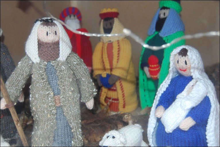 Knitting Patterns For Nativity Figures : BBC - In pictures: A knitted nativity