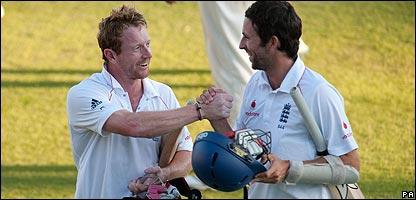 England's Graham Onions celebrates with Paul Collingwood