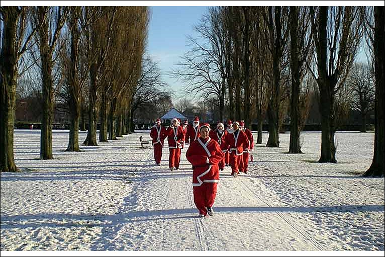 santa fun run in aid of cystic fibrosis  Photo  Keith Warner  HullSanta Jogging