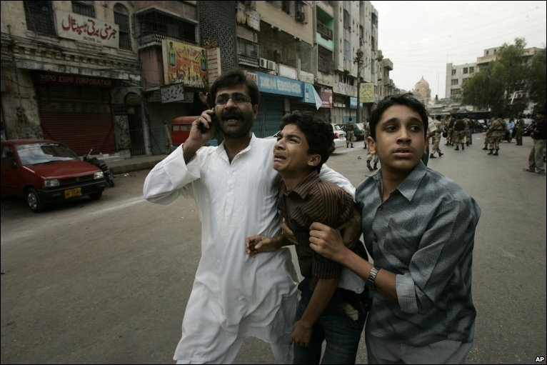 Jew Detector: In Pictures: Karachi March Attacked