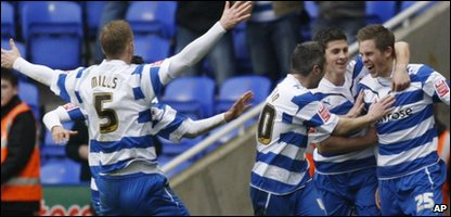 Reading's Gylfi Sigurdsson, right, celebrates his goal against Burnley