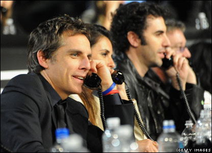 Ben Stiller and other celebs on the phone at the fundraiser