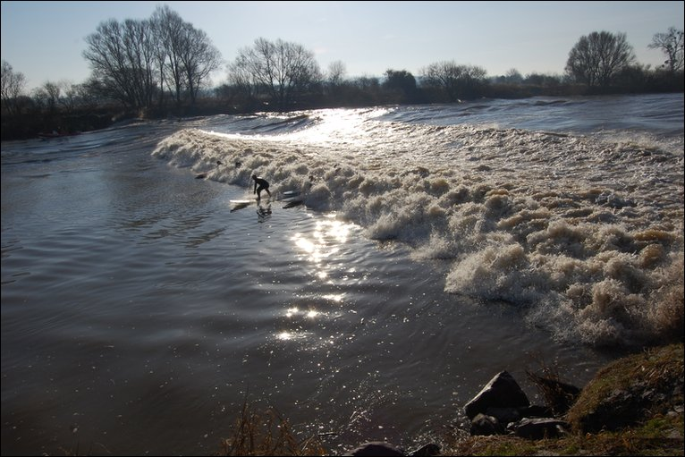 Bbc A Five Star Severn Bore Rolls Through Gloucestershire