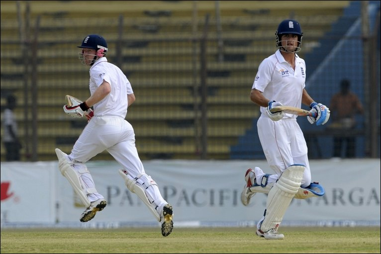 BBC Sport - Cricket - Bangladesh v England - 1st Test day two photos