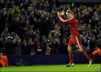 Torres applauds the fans at Anfield