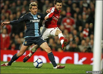 In Saturday's games Arsenal v West Ham finished 2-0. It was an eventful game with five players booked and one sent off! Arsenal's goal scorers were Denilson and Cesc Fabregas.