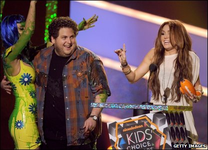 Miley Cyrus gets an award
