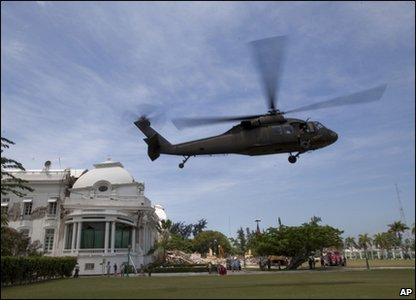 Michelle Obama arrives by helicopter