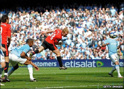 Paul Scholes scores United's winner