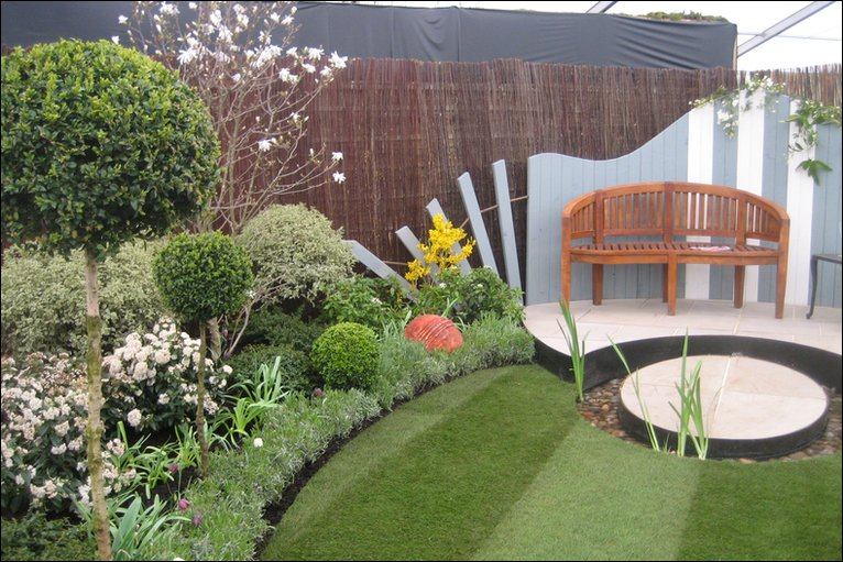Bbc harrogate spring flower show photographs for Bbc garden designs