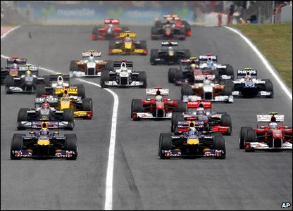 Ready..steady..race! The Spanish Grand Prix begins. Lewis Hamilton gets off to a good start!
