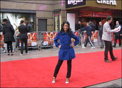 Sonali gets ready for the Streetdance premiere by taking up a top spot on the red carpet!