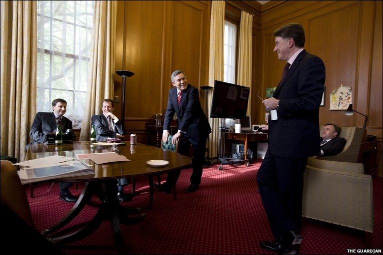 Bbc news in pictures gordon brown 39 s last hours in downing street - Office of prime minister uk ...