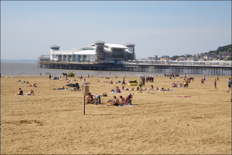 bbc weston super mare basks in the sunny may weather. Black Bedroom Furniture Sets. Home Design Ideas