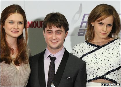 Potter stars with their award