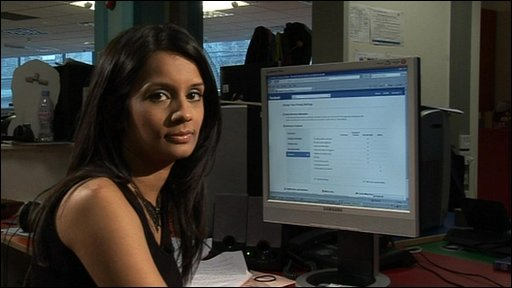 Sonali checks out Facebook privacy settings