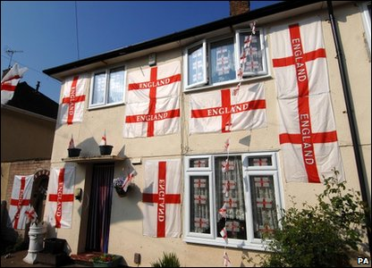 England fan house