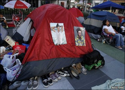 Eclipse premiere - fans camp out
