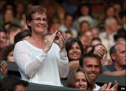 Andy Murray's mum watching her son win