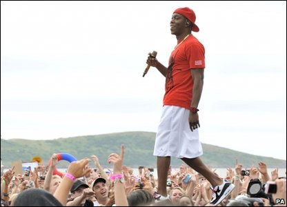 Dizzee Rascal performing