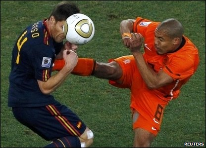 Nigel de Jong and Xabi Alonso