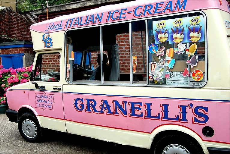 http://news.bbc.co.uk/media/images/48427000/jpg/_48427851_granellis_pink_van.jpg
