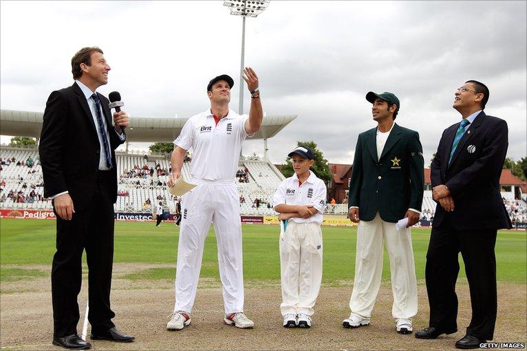 BBC Sport - Cricket - England v Pakistan day one photos