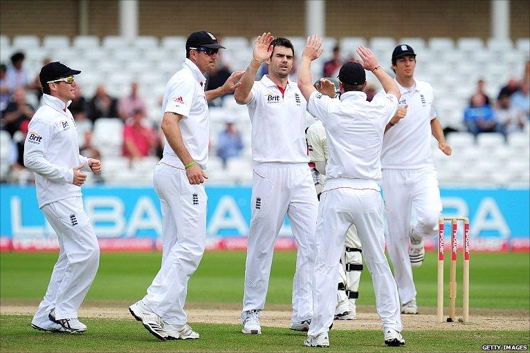 BBC Sport - Cricket - England v Pakistan day four photos