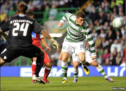 Celtic's Gary Hooper scores
