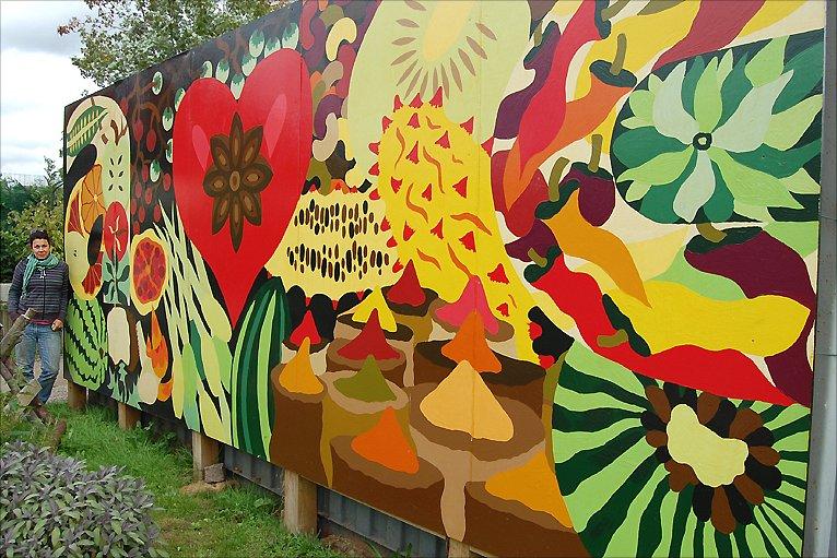 Bbc nottingham community garden fit for a royal visit for Community mural
