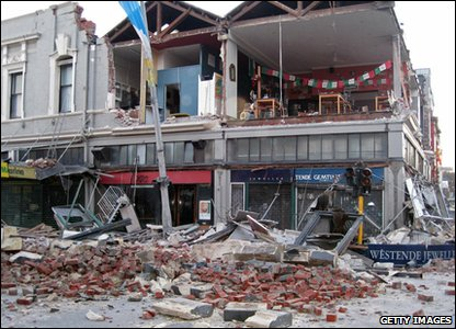 New Zealand earthquake - jewellers with walls ripped off