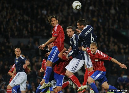 Scotland v Liechtenstein Euro 2012 qualifier - Lee McCulloch and David Weir jump for the ball