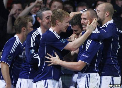 Scotland v Liechtenstein Euro 2012 qualifier - Stephen McManus celebrates with team
