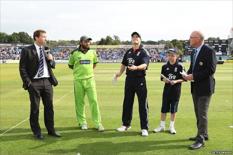 BBC Sport - Cricket - England v Pakistan 1st ODI photos