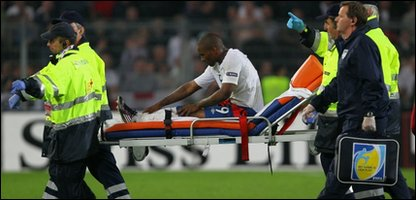 Jermaine Defoe being taken off the pitch during England's Euroe qualifier against Switzerland