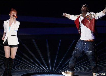 Hayley Williams and B.o.B