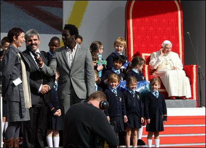 The Pope in London with children and Andy from Blue Peter