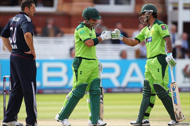 BBC Sport - Cricket - England v Pakistan fourth one-day