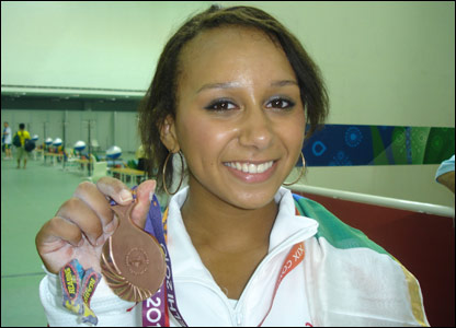 Zoe Smith with her bronze medal at the Commonwealth Games in Delhi, India