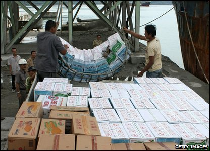 Indonesian tsunami - tonnes of aid has arrived in Padang
