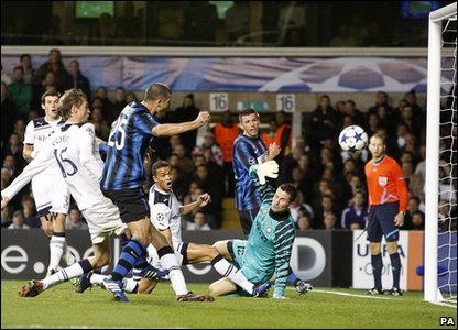 Tottenham v Inter Milan - Peter Crouch scores the second goal