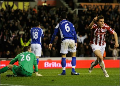 Dean Whitehead of Stoke celebrates scoring to make it 3-2 during the Barclays Premier League match between Stoke City and Birmingham City at the Britannia Stadium