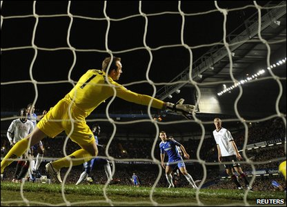 In London - Chelsea took on Fulham at Stamford Bridge. The match ended 1-0 to Chelsea, with Michael Essien scoring the goal.