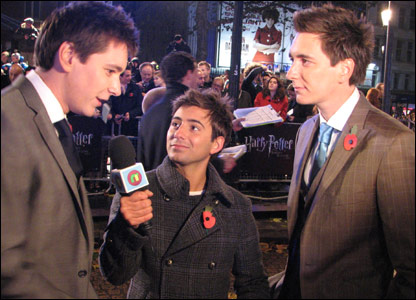Ricky interviewing James and Oliver Phelps, who play the Weasley twins, at the world premiere of Harry Potter and the Deathly Hallows, in Leicester Square, London