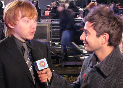 Ricky interviewing Rupert Grint on the red carpet at the world premiere of Harry Potter and the Deathly Hallows, in Leicester Square, London
